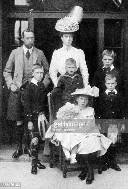 The Prince and Princess of Wales and their children Abergeldie Scotland 1906 The future King George V and Queen Mary with their children Princes...