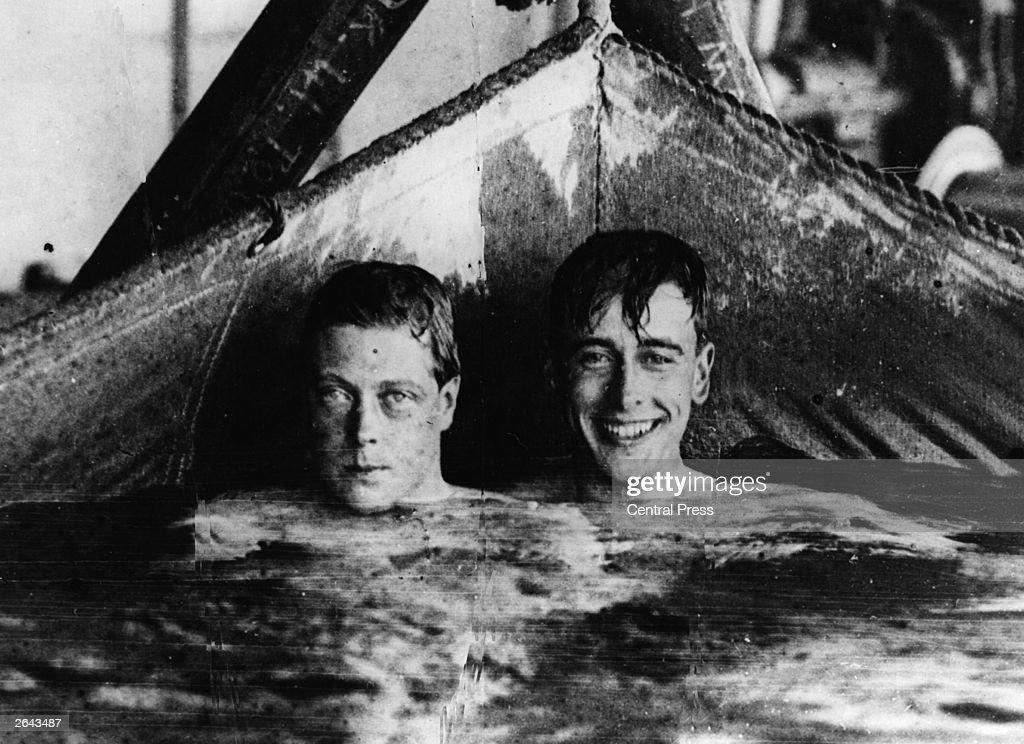 Heads Above Water : Nachrichtenfoto
