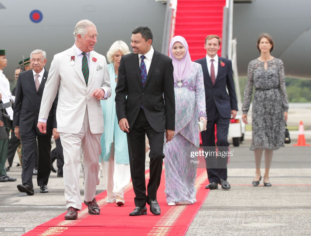 The Prince Of Wales & Duchess Of Cornwall Visit Singapore, Malaysia, Brunei And India - Day 4 : News Photo