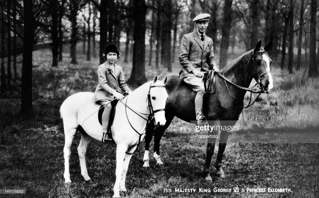 Princess Elizabeth And King George VI : News Photo