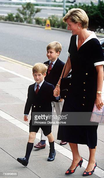 The Princess of Wales arrives at the Nottingham Medical Centre with her sons William and Harry to visit the Prince of Wales after his operation...