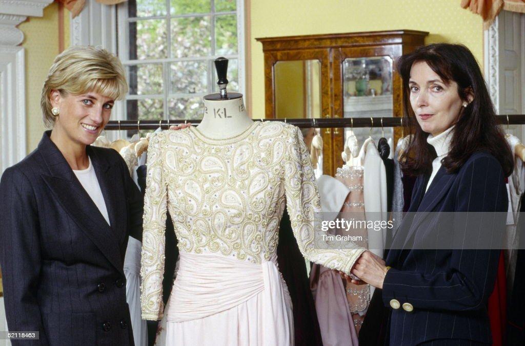 Diana And Catherine Walker : News Photo