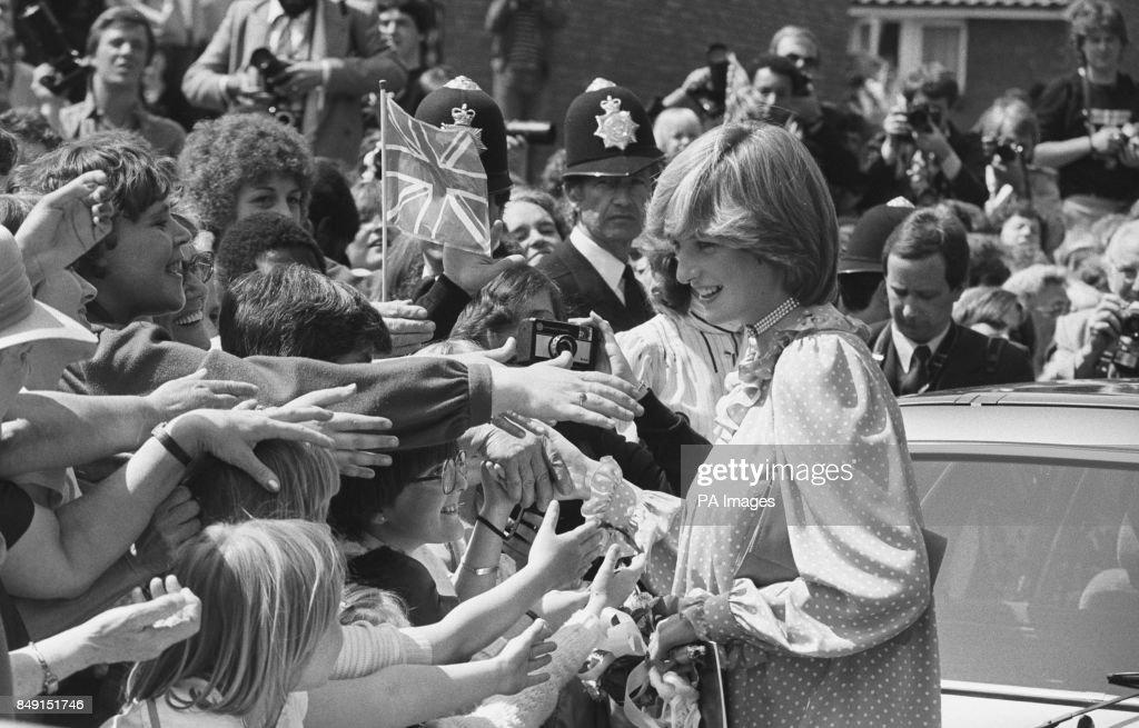 Royalty - Princess Diana - Community Centre - London : News Photo