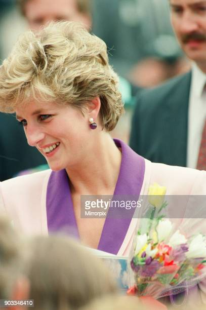 The Princess of Wales Princess Diana visits Princess Diana visits Hull Branch of 'Relate' marriage Guidance Centre Yorkshire England Picture taken...