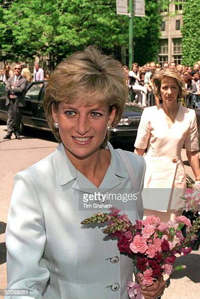 The Princess Of Wales Visits Cook County Hospital, Chicago. Behind Is Lady-in-waiting Viscountess Sarah Jane Campden