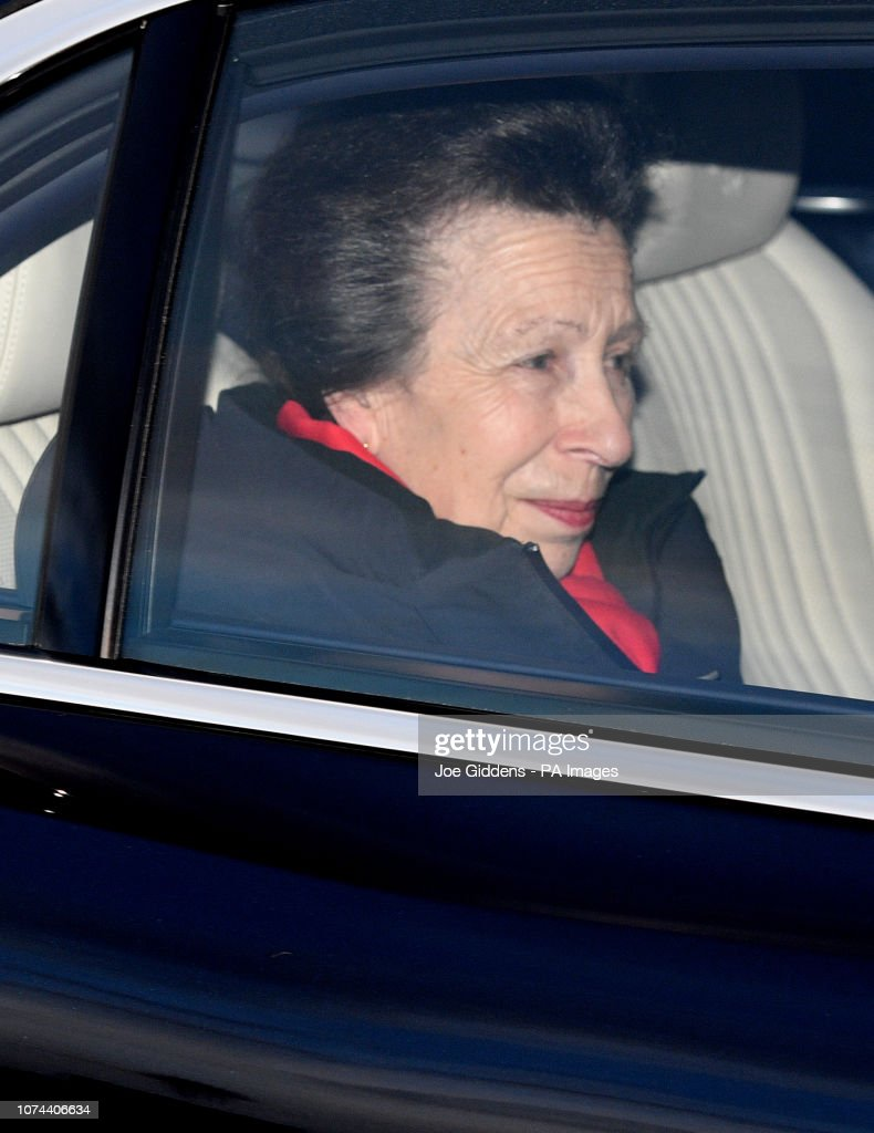 Queen's Christmas lunch 2018 : News Photo