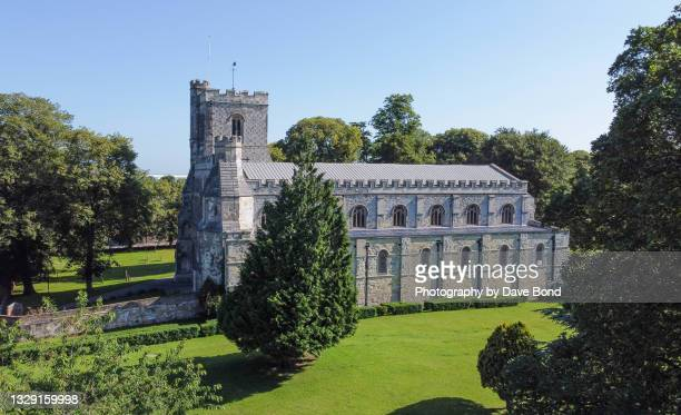the priory church of st peter in dunstable - british royalty stock pictures, royalty-free photos & images