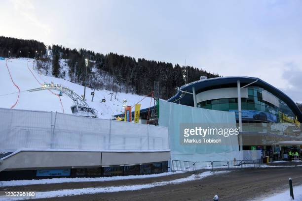 The privacy screen from the Planai competes during the Audi FIS Alpine Ski World Cup Slalom on January 26, 2021 in Schladming, Austria.