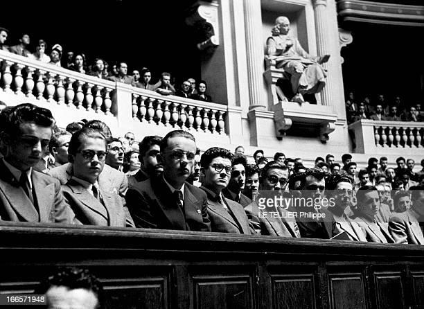 The Prize Of The General Contest In La Sorbonne. Paris - juin 1953 - A l'occasion de la remise des prix aux lauréats du concours général : les...