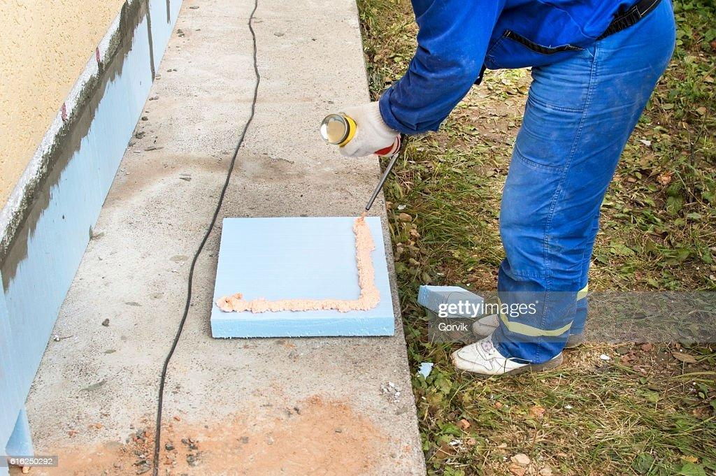 The process of applying construction foam : Stock-Foto
