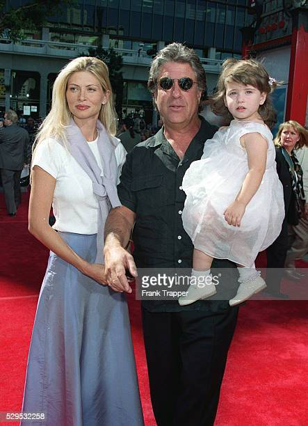 The producer Jon Peters with his wife Mindy and daughter Kendall