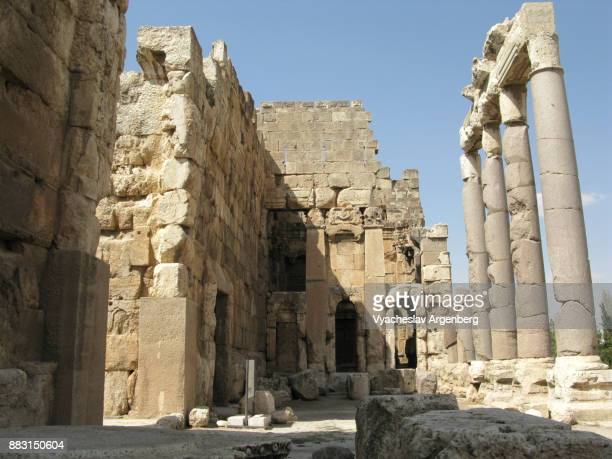 the propylaea (roman heliopolis), baalbek, lebanon - argenberg stock pictures, royalty-free photos & images