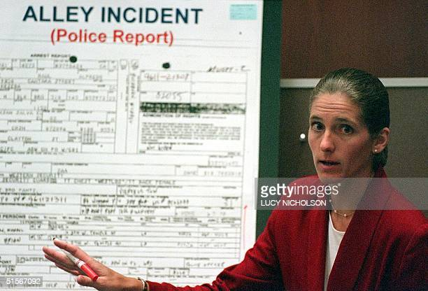 The prosecutor for the LAPD's Rampart corruption trial Laura Laesecke explains her case in court in Los Angeles 20 October 2000 Sergents Edward Ortiz...