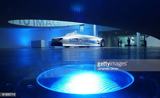 The prototype of a BMW H2R racing car is displayed in the redesigned BMW car museum after the reopening on June 19 2008 in Munich Germany The so...