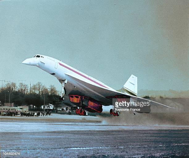 The prototype of the CONCORDE 002 in Bristol, Great Britain, during one of its first take-offs in 1969.