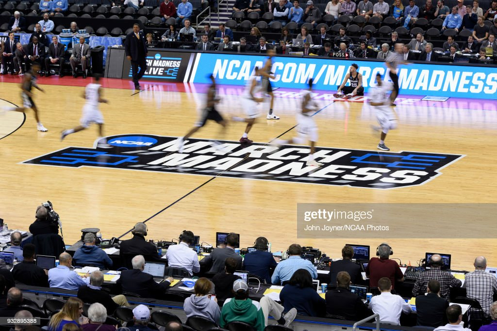 NCAA Basketball Tournament - First Round - Charlotte : News Photo