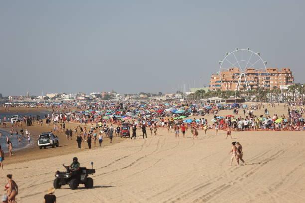 ESP: Traditional Horse Race Takes Place On the Beach In Sanlucar de Barrameda