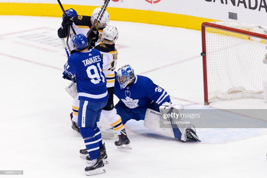 NHL: NOV 26 Bruins at Maple Leafs : News Photo
