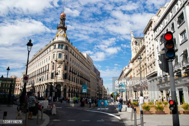 The Puerta del Sol in Madrid is now completely pedestrianized this Thursday with the closure of a section of Calle Mayor to traffic the only road...