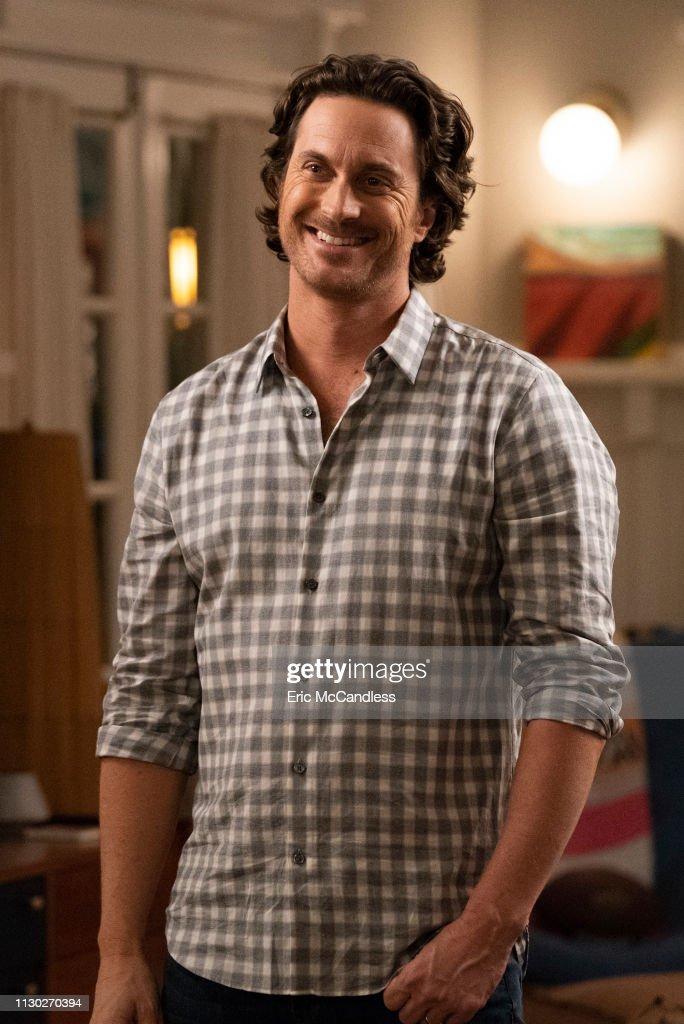 "ABC's ""Splitting Up Together"" - Season Two : News Photo"