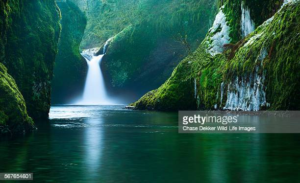the punchbowl - columbia river gorge stock pictures, royalty-free photos & images