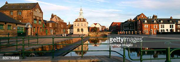 The Purfleet, Kings Lynn, Norfolk. In the background just to the left of centre is the Customs House, designed by Henry Bell and built in the 1680s....