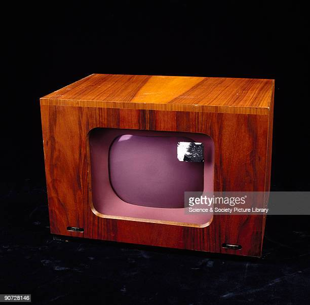 The Pye LV30 is a compact nine inch TRFtype table model receiver It has a distinctive purple screen which was popular in British sets of the late...