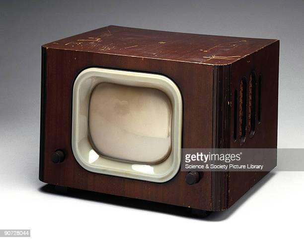 The Pye model LV20 is a 405 line TRFtype receiver with a single chassis Television broadcasts resumed in Britain on 8 June 1946 and during the...