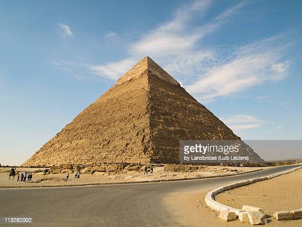 the pyramid of khafre (chephren) - pyramid stock pictures, royalty-free photos & images
