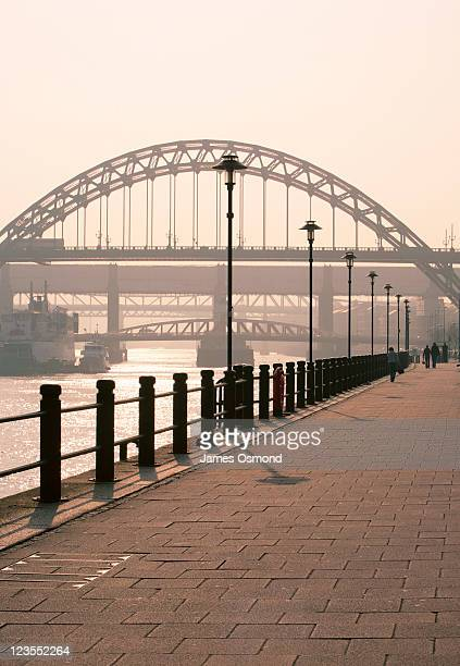 the quayside near the tyne bridge in newcastle upon tyne. - newcastle upon tyne stock pictures, royalty-free photos & images