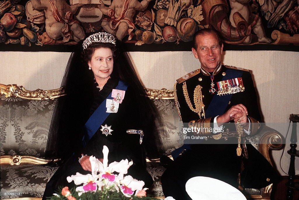 Queen And Philip Vatican : News Photo