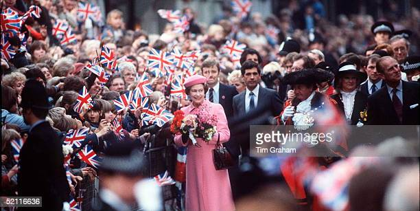 The Queen And Prince Philip On Walkabout Bodyguard Jim Beaton On The Queen's Left Is The Royalty Protection Officer Who In The 1970s Was Shot While...