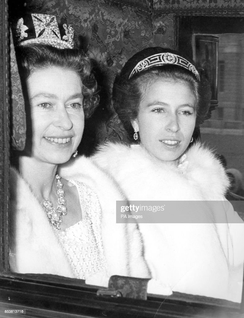 Royalty - Queen Elizabeth II and Princess Anne - London : News Photo