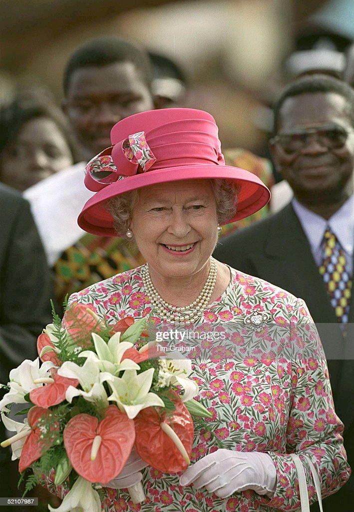 Queen Arriving School Ghana : News Photo