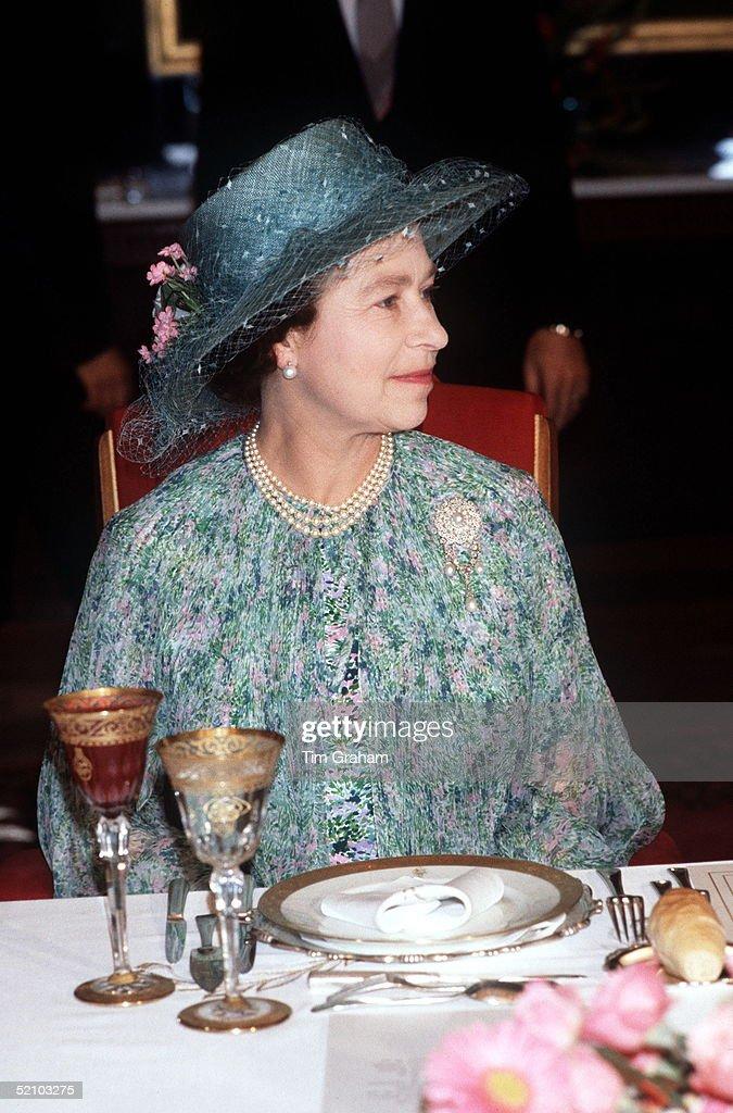 Queen Luncheon Tunisia : News Photo