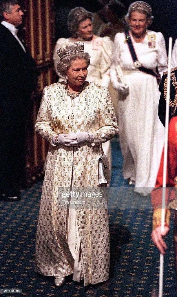 Queen At State Opening Of Parliament : Foto di attualità