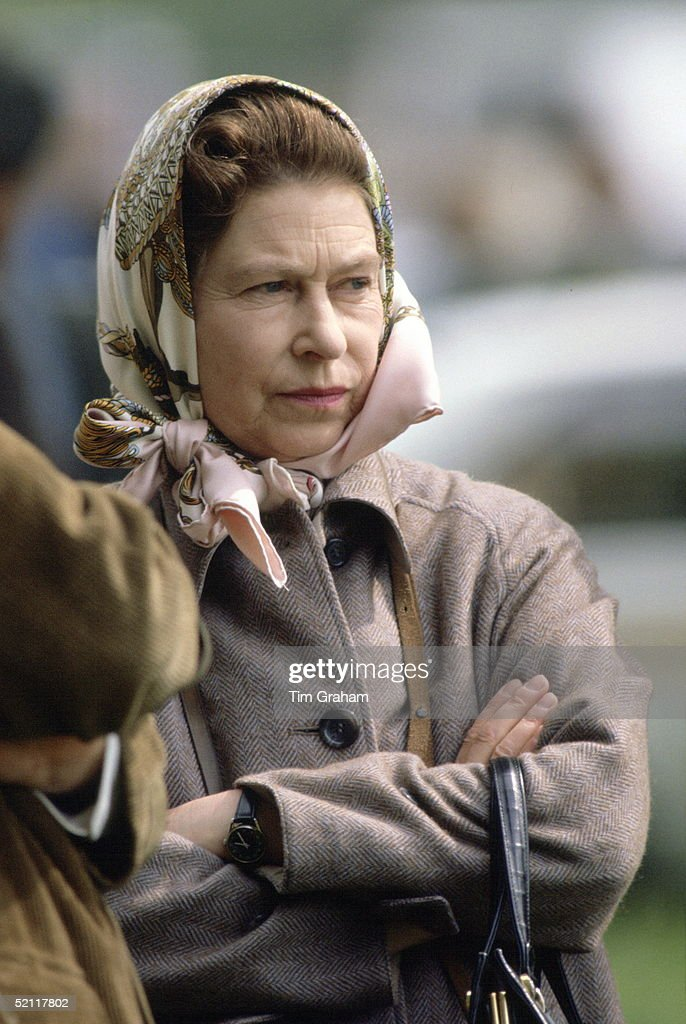 Queen Frowning : News Photo