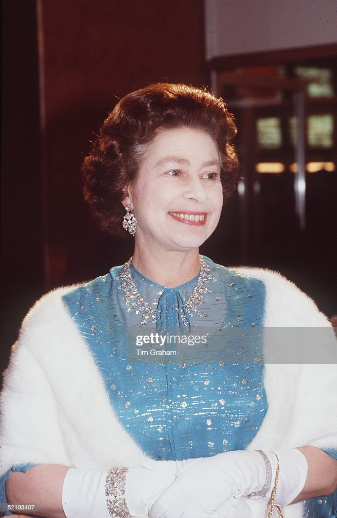 Queen Jewels And Fur : News Photo