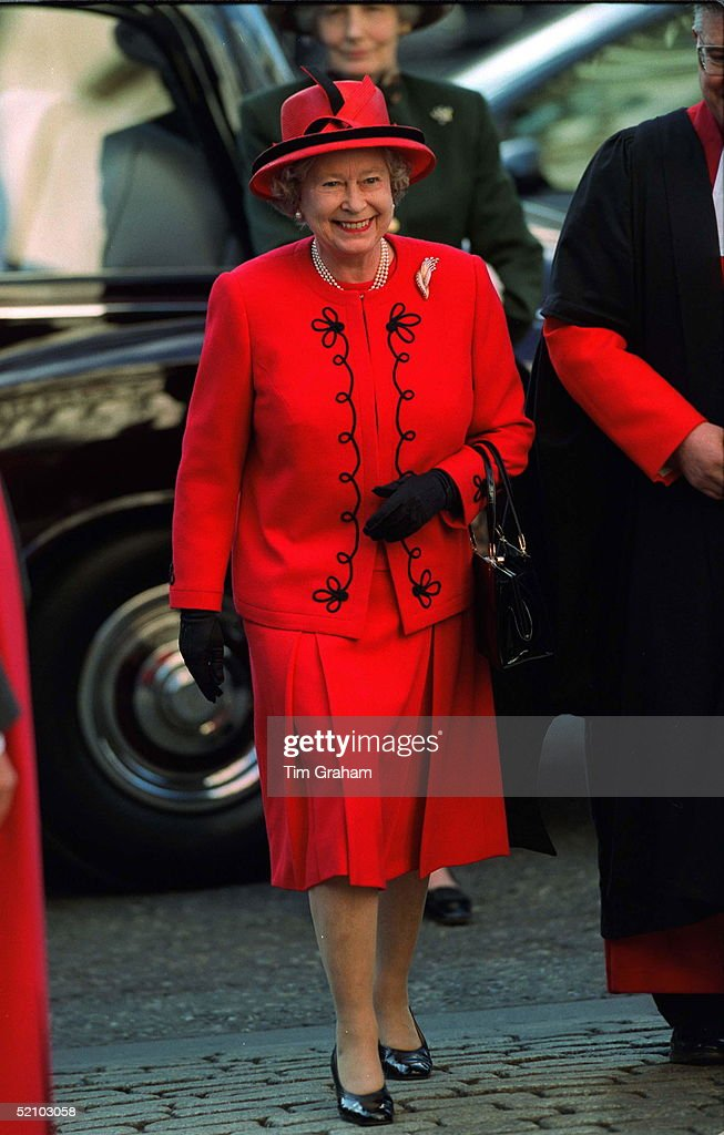 Queen At Westminster Abbey : News Photo