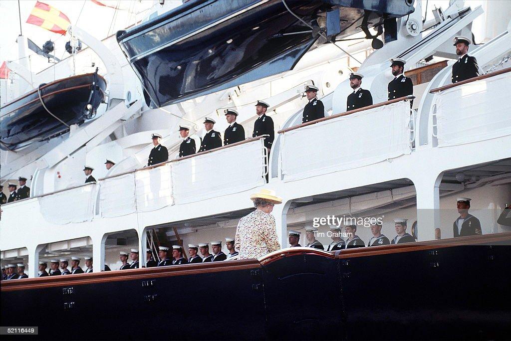 Queen Royal Yacht Britannia : News Photo