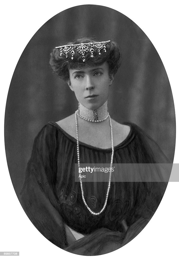 The queen Elisabeth of Belgium (1876-1965) born duchess of Bavaria and wife of Albert1st c.1909;; : News Photo