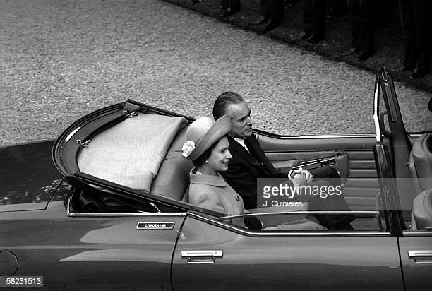 The queen Elizabeth II of England in visit in France The queen with Jacques ChabanDelmas prime minister Paris May 1972 JAC63633