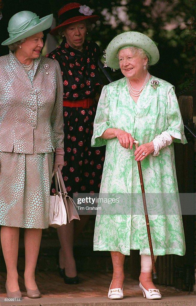 Queen Mother And Queen : News Photo