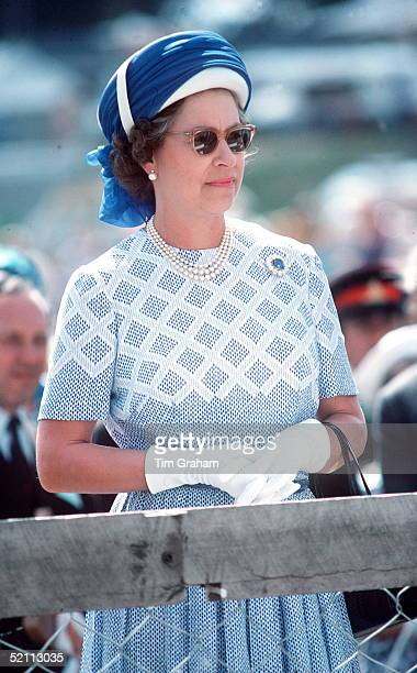 The Queen In New Zealand Wearing A Turban Style Hat