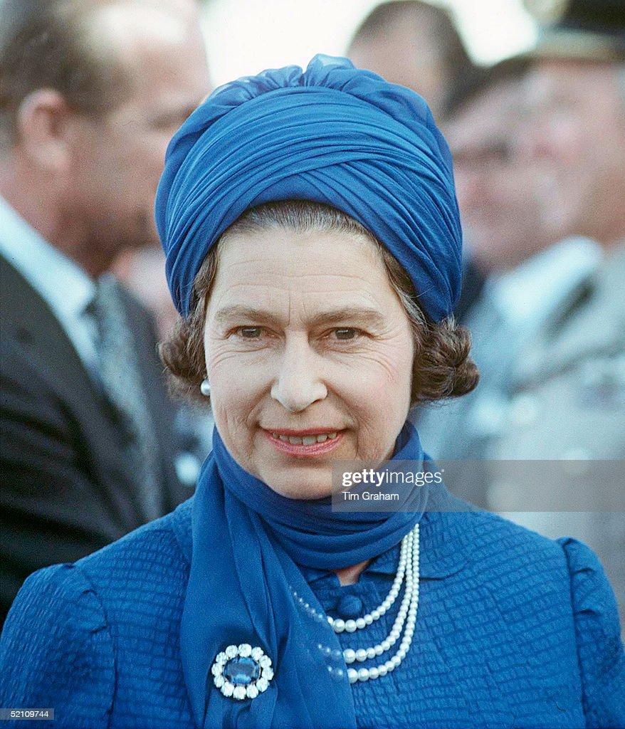 Queen Turban Hat : News Photo