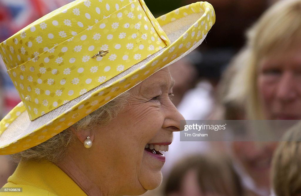 Queen Laughing Portrait Hat Close Up : News Photo