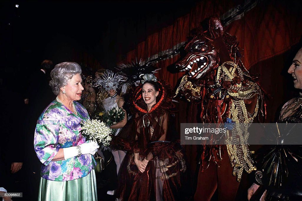The Queen Meeting Ballet Dancers From The Cast Of 'sleeping Beauty