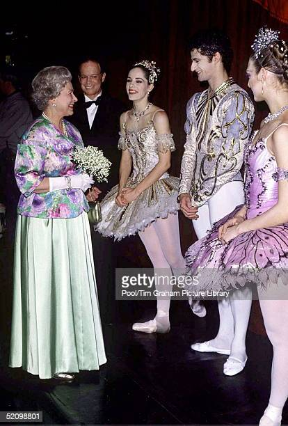 The Queen Meeting Ballet Dancers Fromthe Cast Of The Ballet 'sleeping Beauty' At The Royal Opera House