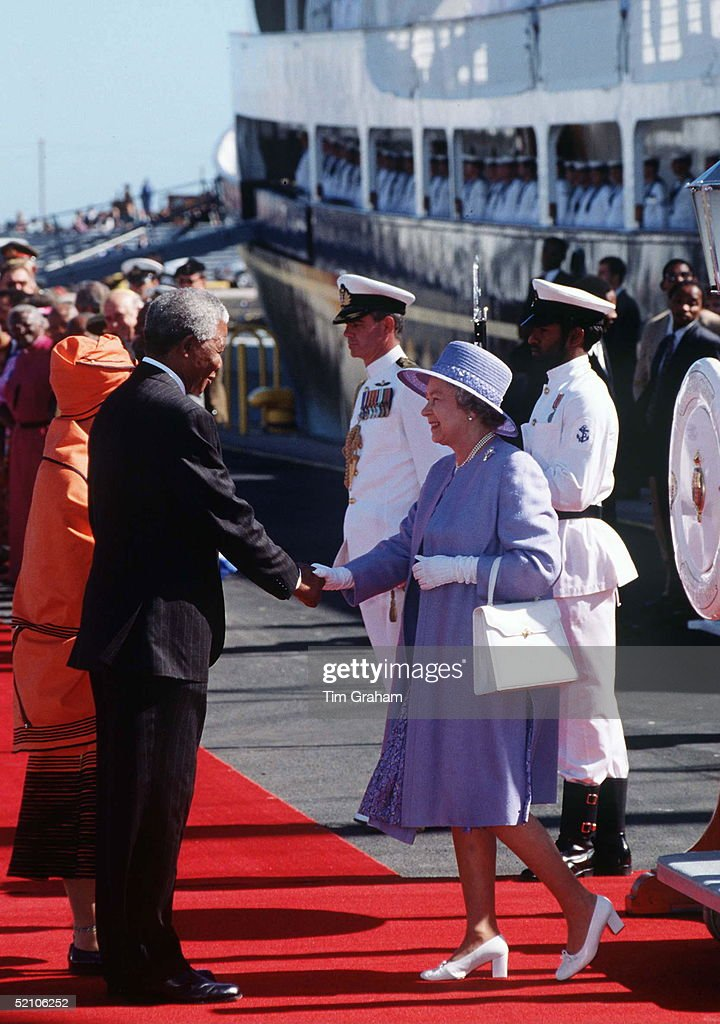 Queen And Nelson Mandela : News Photo