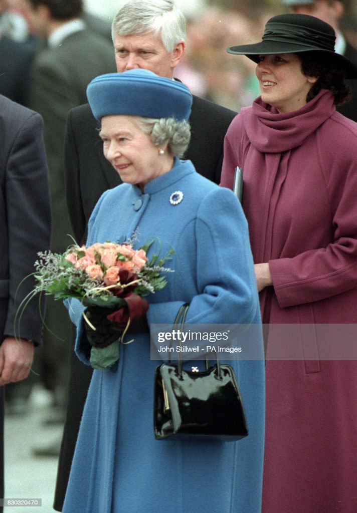 Royalty - Queen Elizabeth II State Visit to the Czech Republic : News Photo